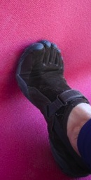 stretch the plantar fascia for barefoot running